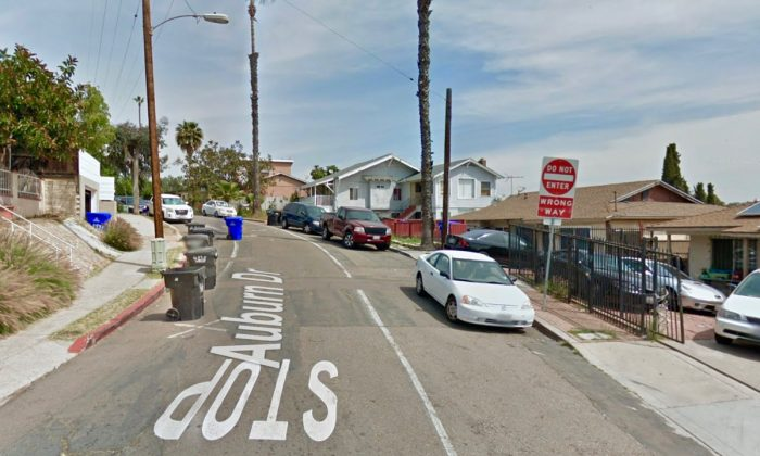 Auburn Dr & Wightman St, in the Fox Canyon section of San Diego, the location of the attempted car robbery. (Screenshot via Google Maps)