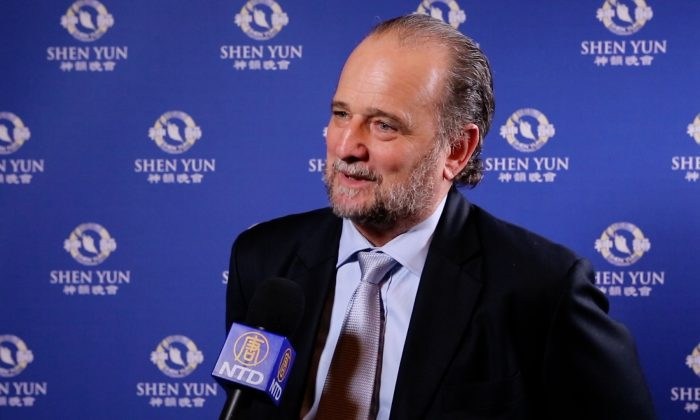Barrister: Shen Yun Is Exhilarating