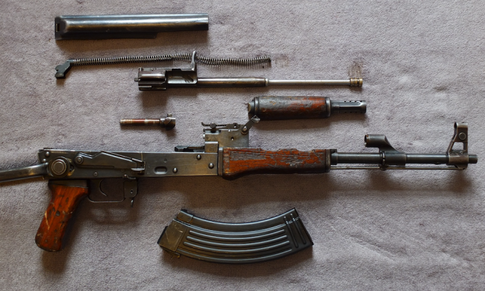 Stock photo of an disassembled AK-47, a weapon commonly used by ISIS insurgents. (CC0)