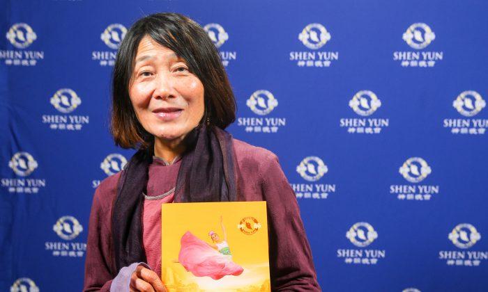 Foundation President Enjoys the Beauty of Human Goodness at Shen Yun