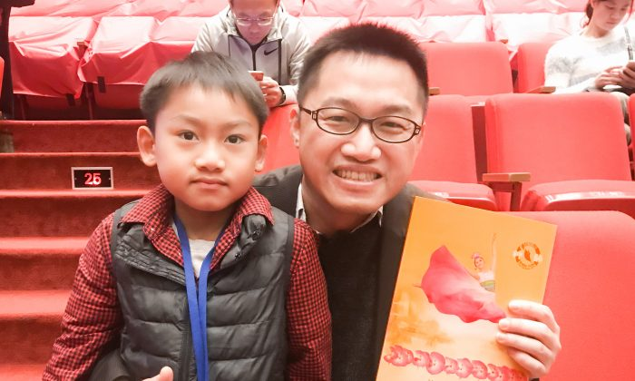Company President Finds Shen Yun, 'A Feast for the Eyes'