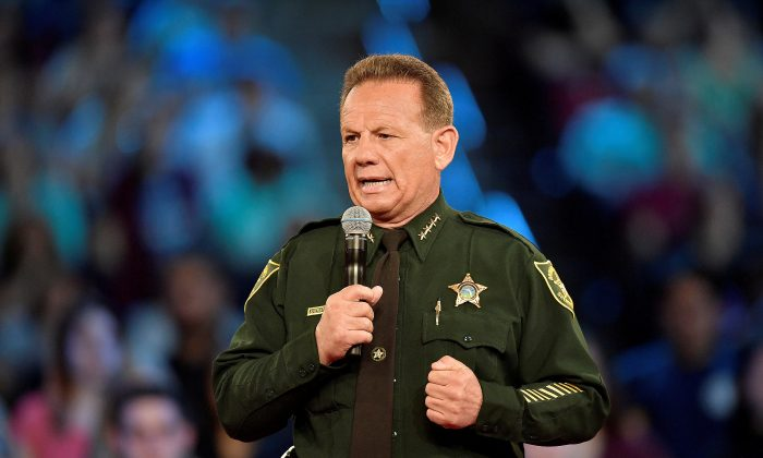 Broward County Sheriff Scott Israel speaks before the start of a CNN town hall meeting at the BB&T Center, in Sunrise, Florida, Feb. 21, 2018. (Reuters/Michael Laughlin/Pool/File Photo)
