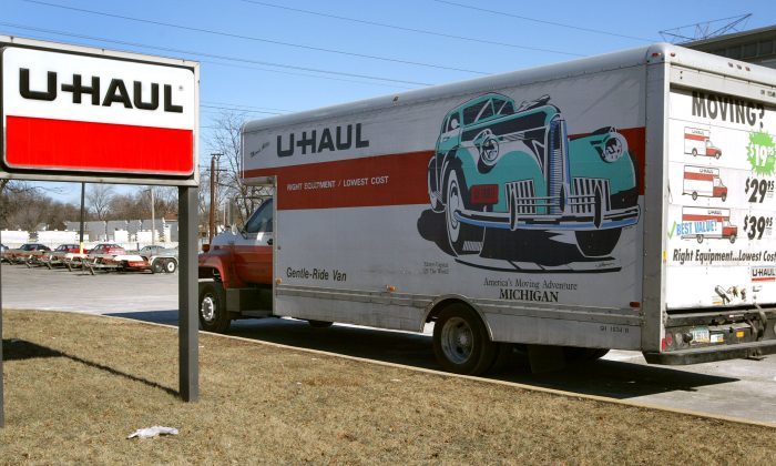 A U-Haul truck in a file photo taken in Illinois. (Tim Boyle/Getty Images)