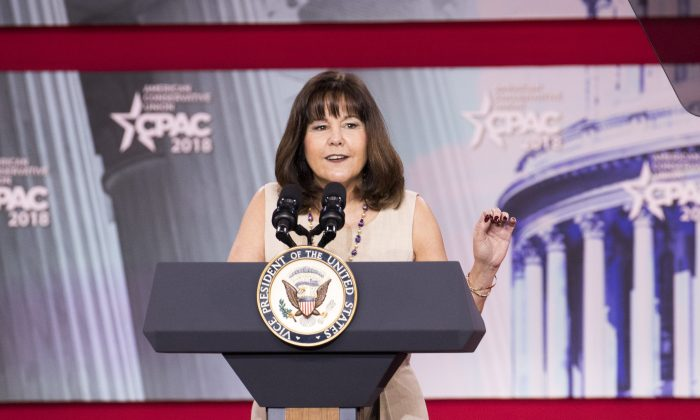 Karen Pence introduces her husband Vice President Mike Pence during CPAC 2018 in National Harbor, Md., on Feb. 22, 2018. (Samira Bouaou/The Epoch Times)