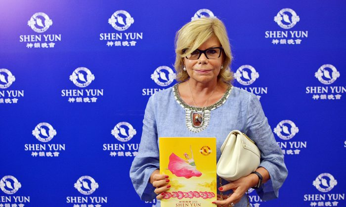 Shen Yun 'Connects You With Your Own Self,' Businesswoman Says