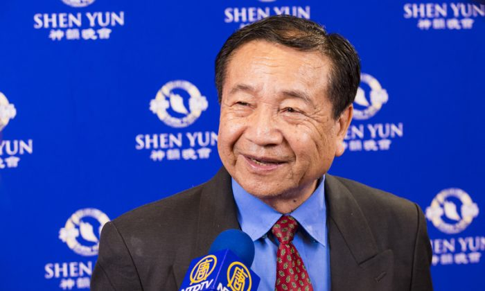 Calligrapher Says He Has Greater Wisdom After Seeing Shen Yun