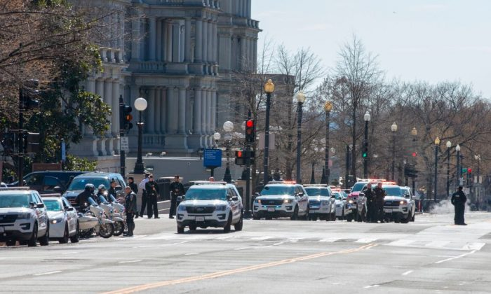 Heavy police presence is seen outside the White House as several blocks are closed down by the United States Secret Service on March 3, 2018 in Washington, DC. (Photo credit should read ALEX EDELMAN/AFP/Getty Images)
