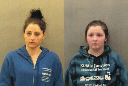 Ashley Helfenbein, left, and Jessica Heyse. (Des Plaines Police Department)