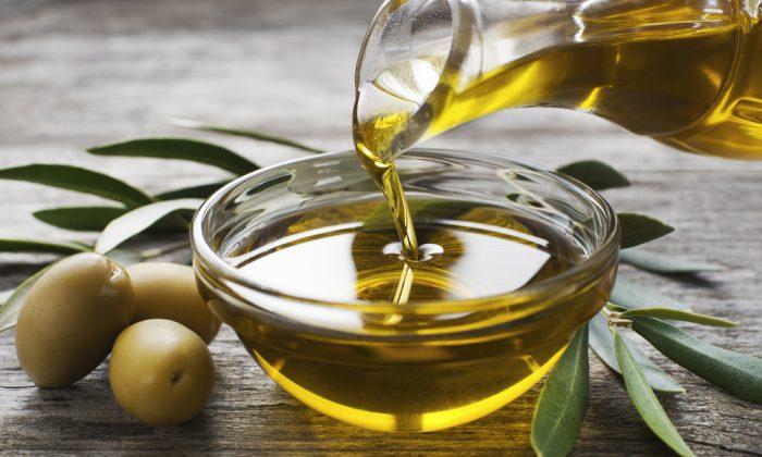 Olive oil. (Dusan Zidar/Shutterstock)