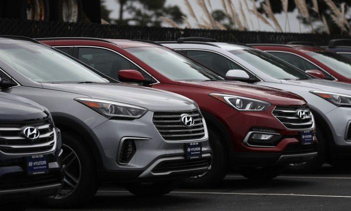 Brand new Hyundai Santa Fe SUVs at a Hyundai dealership on April 7, 2017, in Colma, Calif. (Justin Sullivan/Getty Images)