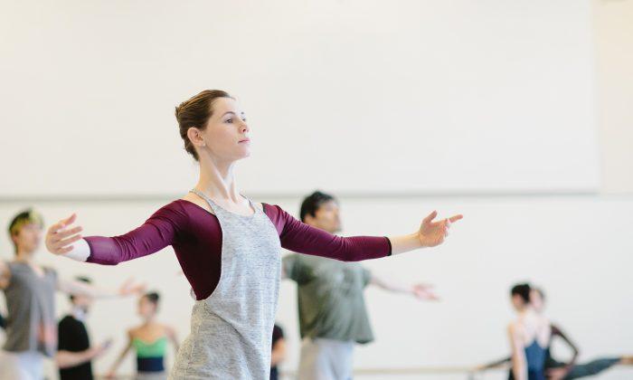 Alexandra MacDonald practicing alongside fellow dancer at the National Ballet (Karolina Kuras)