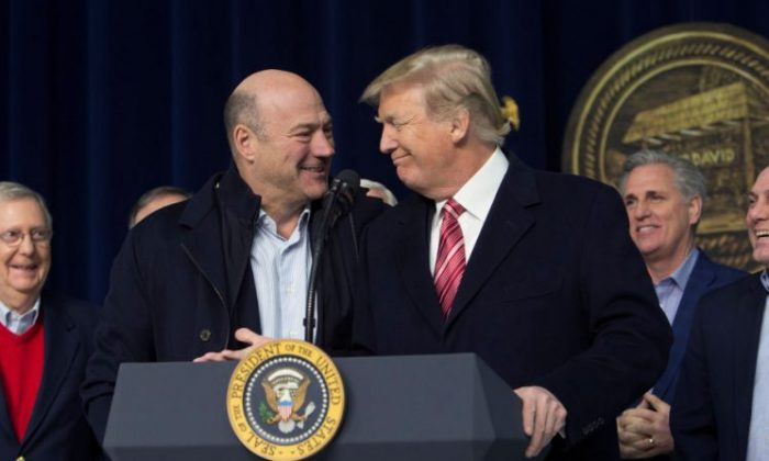 U.S. President Donald Trump and National Economic Council Director Gary Cohn affirm their support for each other at Camp Davidin Thurmont, Maryland, on Jan. 6, 2018. (Chris Kleponis-Pool/Getty Images)