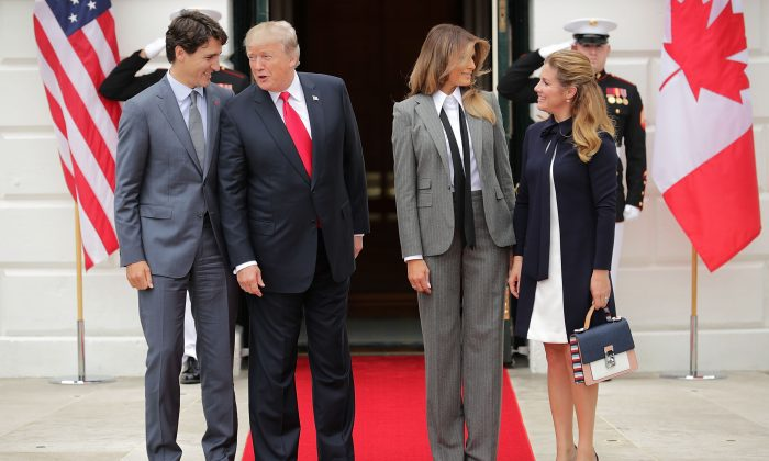 Canadian Prime Minister Justin Trudeau, U.S. President Donald Trump, first lady Melania Trump, and Sophie Gregoire Trudeau pose for photographs at the White House on Oct. 11, 2017 in Washington, DC. (Chip Somodevilla/Getty Images)