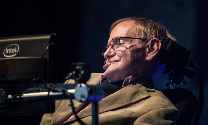 Theoretical physicist professor Stephen Hawking gives a lecture in the Spanish Canary island of Tenerife on Sept. 23, 2014. (Desiree Martin/AFP/Getty Images)