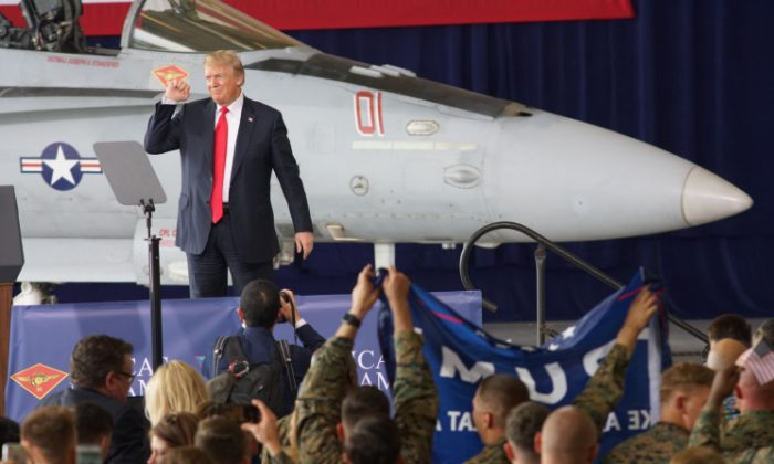 President Donald Trump addresses troops at Miramar Marine Corp Air Station in San Diego, California, on March 13, 2018. (Sandy Huffaker/Getty Images)