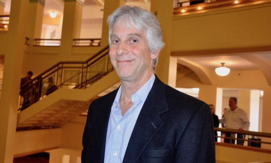 Shen Yun's Technology and Quality Is Right up There, Video Editor Says