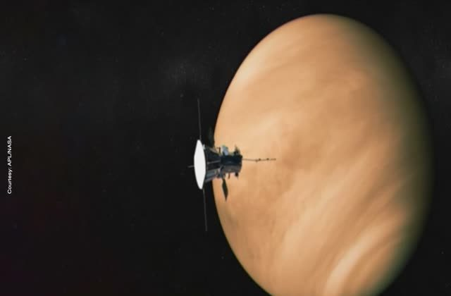 Teaser NASA readies spacecraft for 'mission to touch the sun'