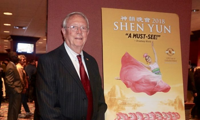 You Can Feel the Shen Yun Singer's Emotions