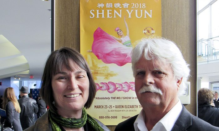 'My whole body's vibrating,' Says Sculptor After Seeing Shen Yun
