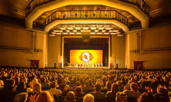 Shen Yun Gives a Timeline of Chinese History, Attorney Says