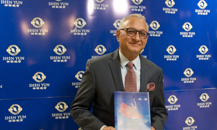Hotel Owner Sees 'Pure Humanity' in Shen Yun