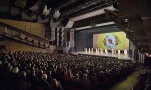 Retired Business Owner Praises Shen Yun's Excellent Artistry and Athleticism