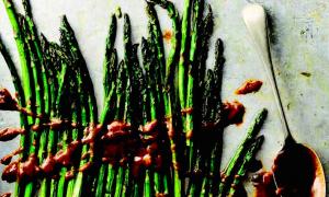 Roasted Asparagus With Yummy Sauce