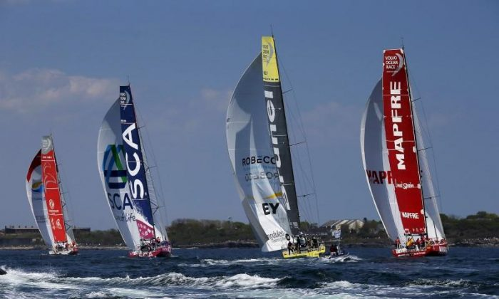 (L-R) Dongfeng Race Team, Team SCA, Team Brunel and Mapfre begin leg 7 of the Volvo Ocean Race in Newport, Rhode Island May 17, 2015.    REUTERS/Brian Snyder