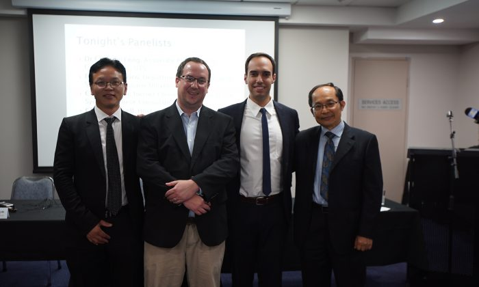 (L–R) Former Chinese diplomat Chen Yonglin, Macquarie University lecturer Kevin Carrico, China Uncensored host Chris Chappell, and University of Technology Sydney associate professor Feng Chongyi at a panel discussion about the Chinese regime's infiltration of Australian society, in Sydney on March 27, 2018. (Eric Zhou/NTD)