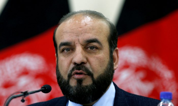 Gula Jan Abdul Badi Sayad chairman of Independent Elections Commission (IEC) of Afghanistan, speaks during a news conference in Kabul, Afghanistan April 1, 2018. (Reuters/Omar Sobhani)