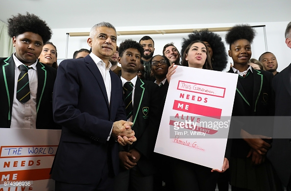 LONDON, ENGLAND - NOV. 15: The Mayor of London Sadiq Khan meets with students from Evelyn Grace Academy and influential young Londoners and campaigners during the 'London Needs You Alive - Don't Carry A Knife' photocall at Photofusion Studio on Nov.15, 2017 in London. (Photo by Tim P. Whitby/Getty Images)