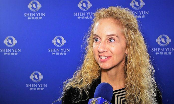 School District Director Says Shen Yun Displays Divine Energy