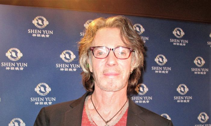 "Rick Springfield, a Grammy award-winning musician, enjoyed the Shen Yun performance at The Fred Kavli Theatre in Thousand Oaks, California, on April 10, 2018. Mr. Springfield has starred in television shows such as ""The Young and the Restless"" and ""General Hospital"" and released numerous albums, including the hit song, ""Jessie's Girl."" (Yaning Liu/The Epoch Times)"