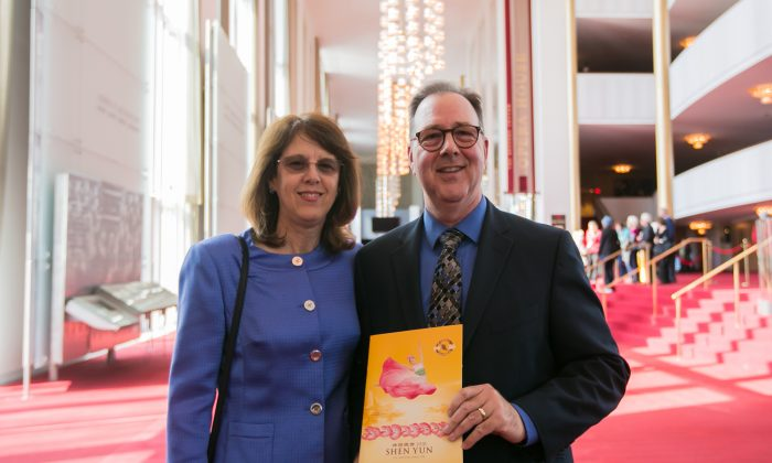 Shen Yun 'Gives New Insights Into Chinese Culture,' Government Manager Says