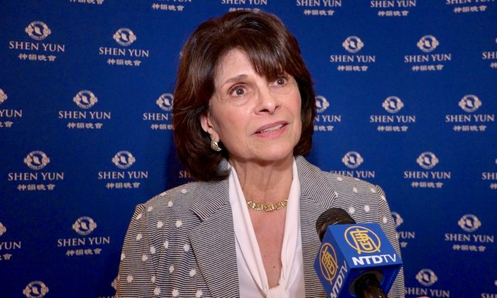 Congresswoman Finds Shen Yun Interesting and Inspiring