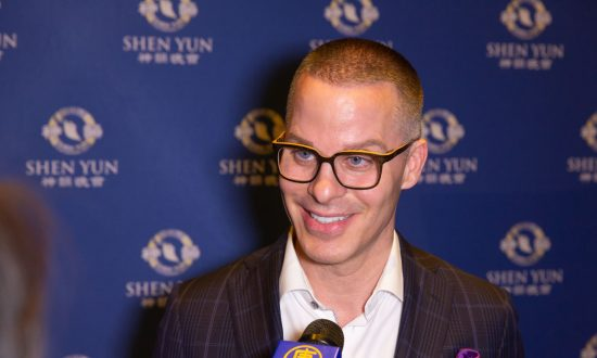 One Should Treasure the Opportunity to See Shen Yun, Business Owner Says