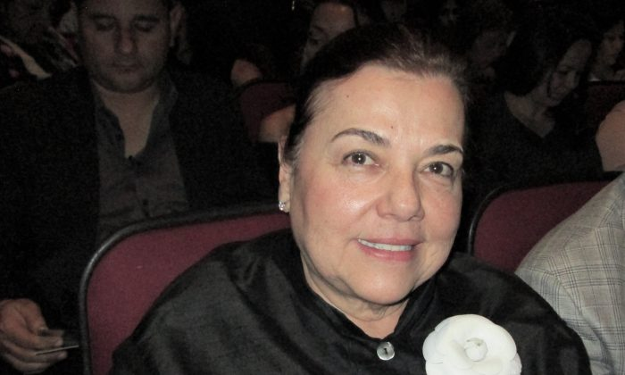 Interior Designer Soothed by Peaceful, Relaxing Energy of Shen Yun