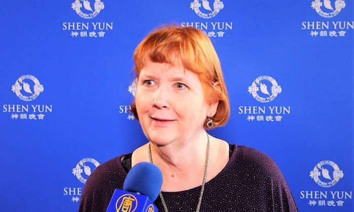 Retired Choir Director Sees Shen Yun 8 Times: 'I never miss it'