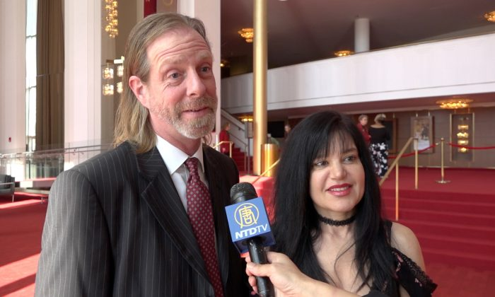 Voice Over Artist Says Shen Yun Touches Your Heart and Soul