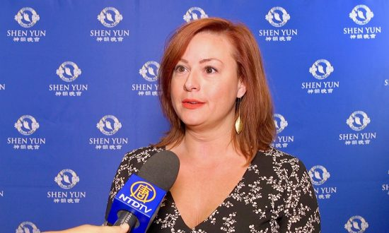 Shen Yun Vocalist's Lyrics 'Resonated With Me,' Business Executive Says