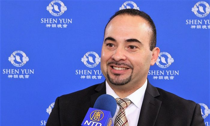 Shen Yun Has 'A Divine Beauty,' Musician Says