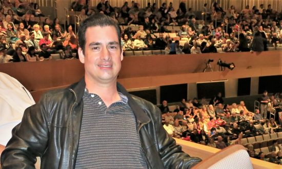 Shen Yun Artists 'Need to Be Heard,' Theater Grad Student Says