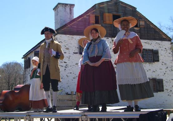 Period clothing, from gentlemen's finery to practical peasant wear. (Channaly Philipp/The Epoch Times)