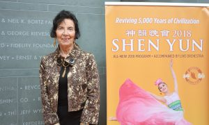 Dance Director Touched by Shen Yun's Expression of Injustice