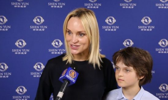 Model Inna Zobova: Shen Yun Is Very Touching
