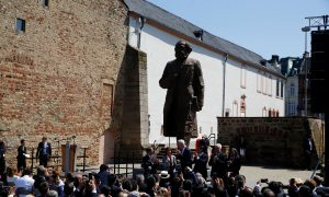 Chinese Regime Gifts a Karl Marx Statue to Germany, But Locals Balk