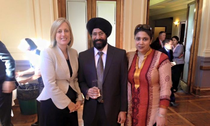 Senator and former Chief Minister of the Australian Capital Territory Katy Gallagher with Mrs and Mr Amardeep Singh President of the federation of Indian associations of ACT at Indian Independence Day function at Albert Hall, Canberra, Australia, in Aug. 2015. (Amardeep Singh [CC BY-SA 4.0 (https://creativecommons.org/licenses/by-sa/4.0)] via Wikimedia Commons)