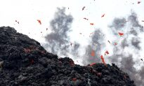 Roaring Like Jet Engines, New Crack Opens at Hawaii Volcano