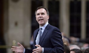 If Kinder Morgan bails, feds would back new Trans Mountain investors: Morneau