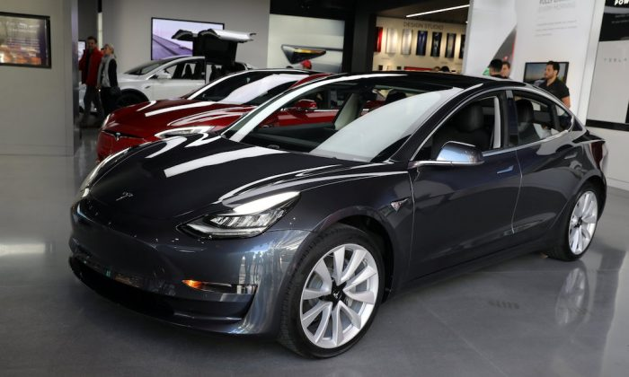 A Tesla Model 3 is seen in a showroom in Los Angeles, California U.S. Jan. 12, 2018. (REUTERS/Lucy Nicholson/File Photo)